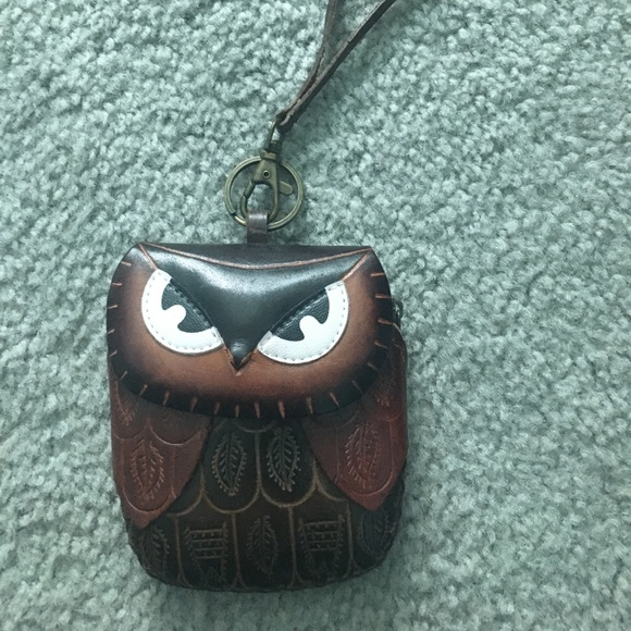 Embossed owl coin purse